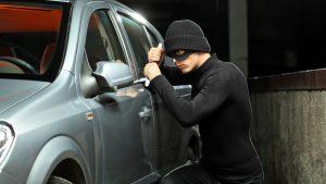 Krádež auta - mechanické otevření zámku
