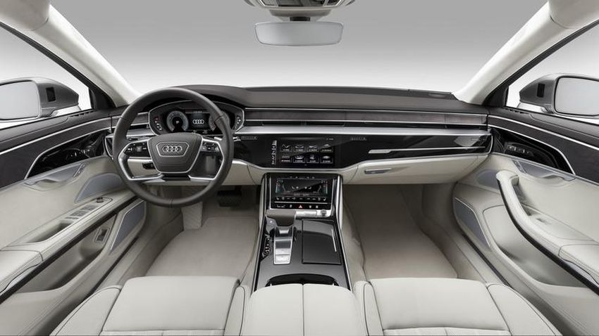 Audi RS8 - interiér