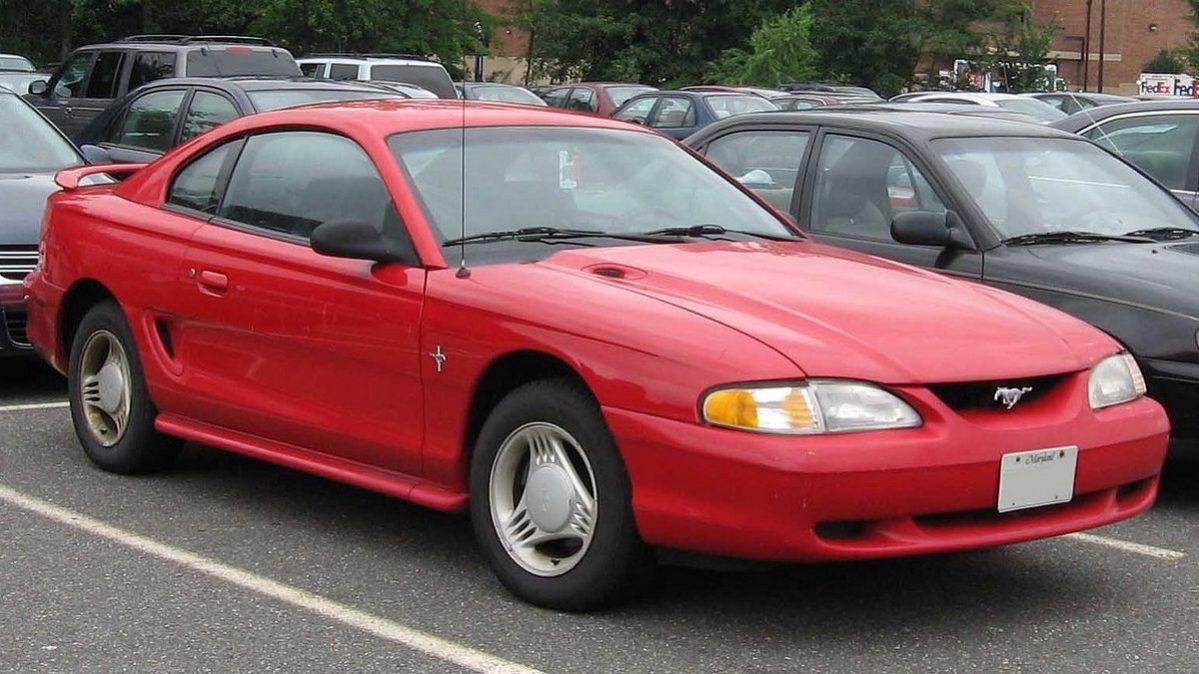 Ford Mustang 1995 - legální závodní auta