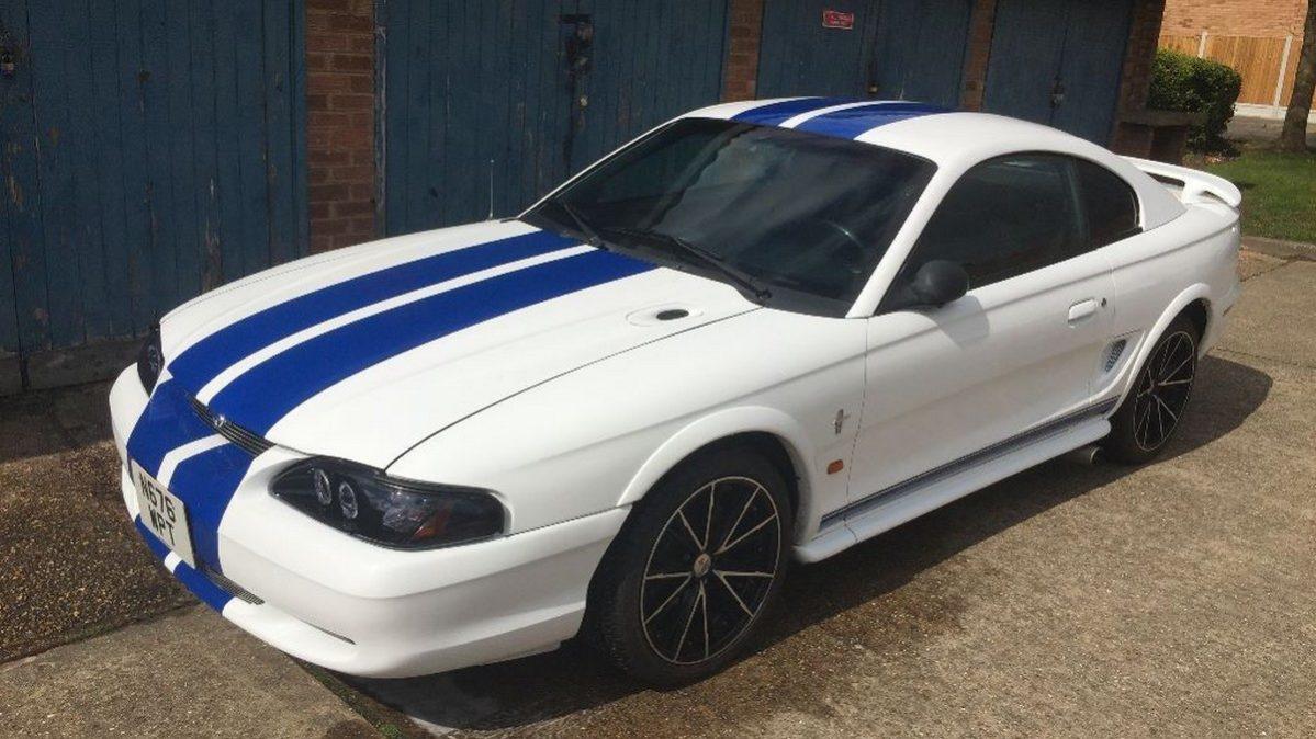 Ford Mustang GT 1995 - legální závodní auta