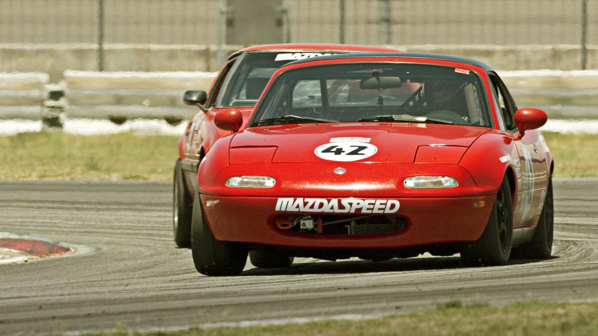 Mazda MX 5 Miata - legální závodní auta