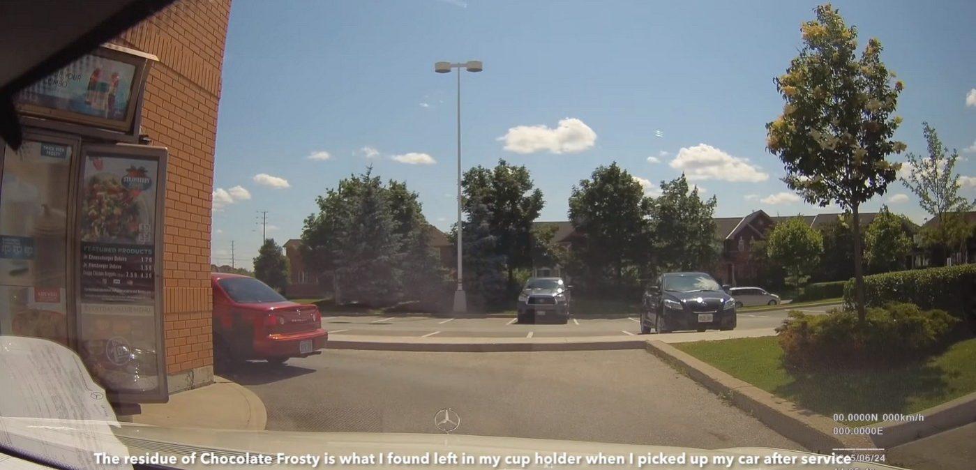 Řidič Mercedesu natočil, co se děje s autem v servisu