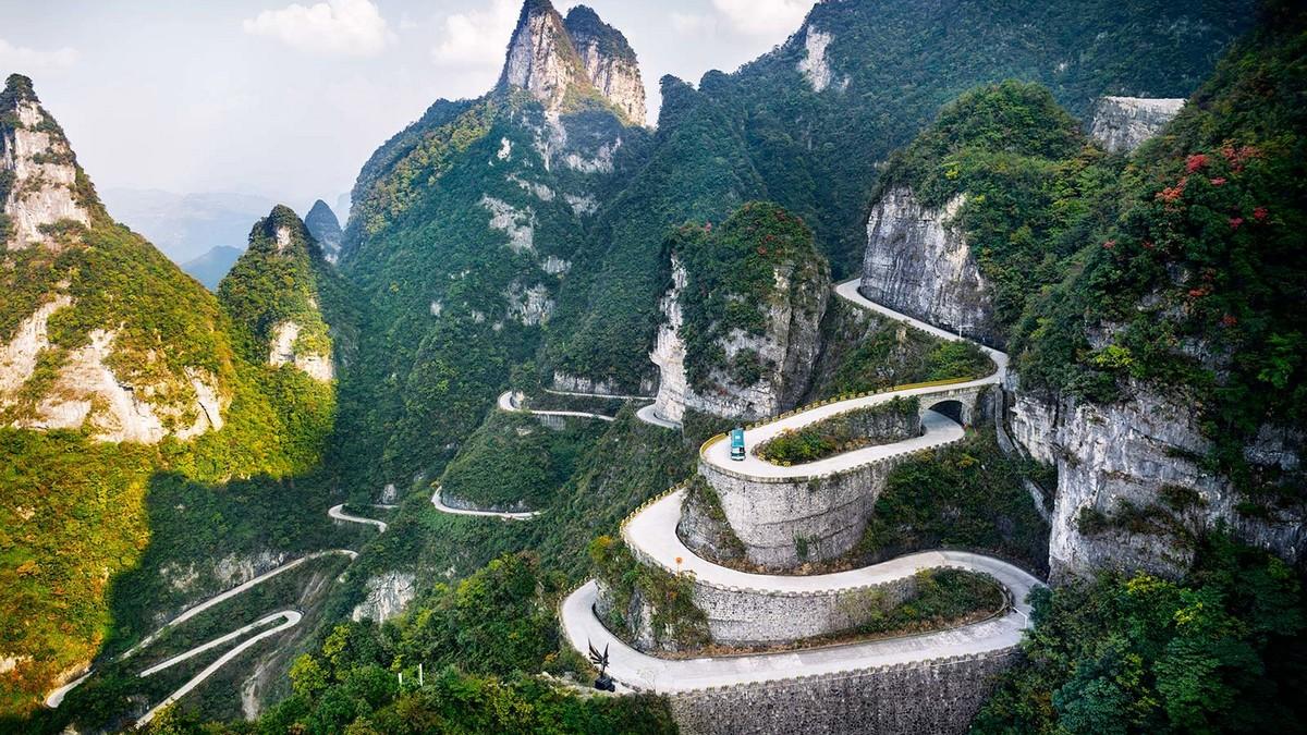 Tianmen Mountain road - nejšílenější silnice světa