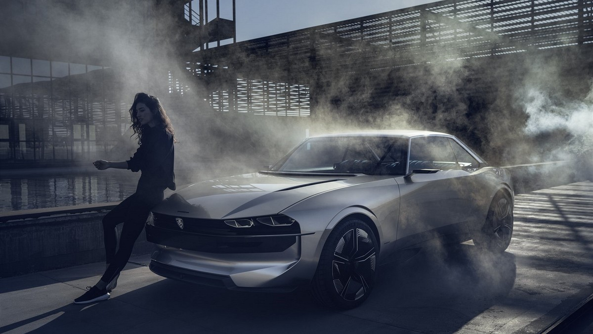 Peugeot e-Legend - dívka