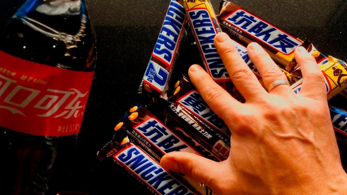 Snickers a CocaCola - doplňujte cukry - unavený řidič
