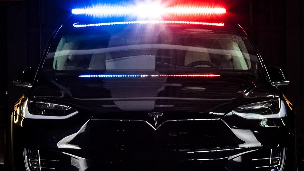 Švýcarsko - policie, Tesla X-100D