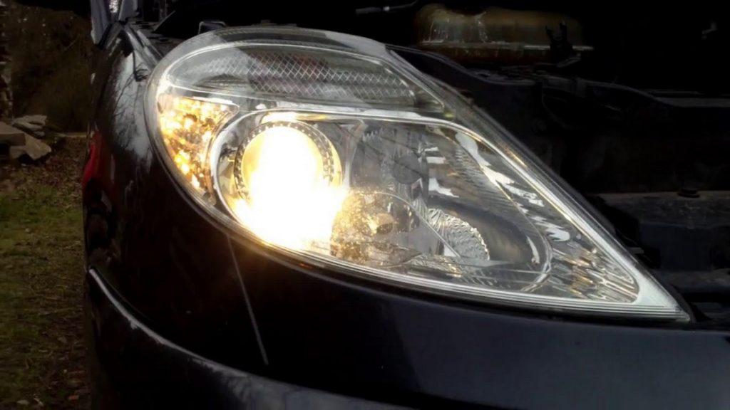 Povinná výbava - žárovky