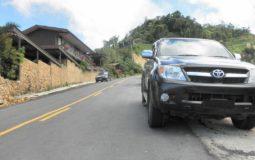Jak zabrzdit auto - rychlostí nebo ruční brzdou